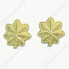 Front of pair of gold, leaf-shaped Major Rank Badges