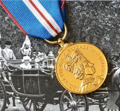 Queens GOLDEN JUBILEE Medal - Full Size