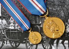Queens GOLDEN JUBILEE Medal - Full Size & Miniature