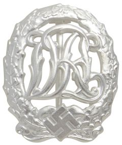 WW2 DRL Sports Badge in Silver