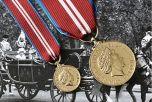 Queens DIAMOND JUBILEE Medal - Full Size & miniature
